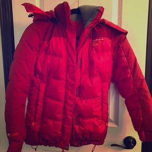 800 fill down jacket from mountain hardware